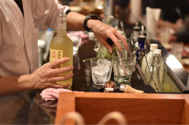 酒場シナトラ - 飲み物に使う氷も溶けにくい物を使用したりと細かなこだわり。