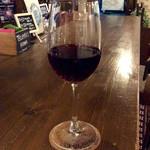 トゥーランド カフェ - まずはワインで。