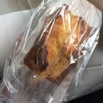 共栄堂 - チョコマフィン 薄く切ってトースターで焼くとカリサクのうまー。
