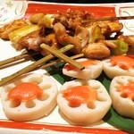 虎連坊 - 大山どりの串焼きと蓮根の明太味噌焼き