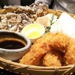 虎連坊 - 牡蛎フライとさきイカ天ぷら