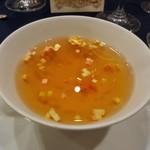 ホテルニューオータニ - クラシックビーフコンソメ 祝福のロワイヤル金箔飾り