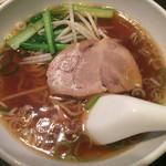 龍泉飯店 - 鮭チャーハン+半ラーメン ¥950 の半ラーメン