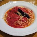62767240 - ランチ:なすとトマトの赤唐辛子入りスパゲティ
