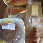 フランス人の店 ボー・スィエル - チーズやパテも買って3,436円也