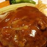 赤坂七丁目カフェ - 肉の旨みがない