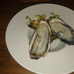 Itariambaruaoneko - 牡蠣2個690円