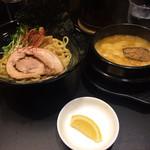 ゴル麺。 - 黄金つけ麺(並)880円