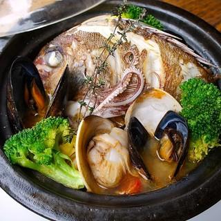 日本海側と太平洋側、日本全国、旬の魚介を直送