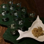 フーズバー鯨家 - 焼酎で島一周 10種類の味のおたのしみプレート(1,980円)