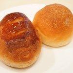 イル・ド・パスィオン - ランチコース 2200円 のパン2種盛り