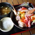 お魚いちば おかせい - 特選女川丼