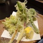 禅紫 - 山菜の天ぷら