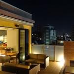 イエノウエノカフェ - テラス席では、夜空を眺めて、お食事も。