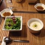 シェ・トワ - 最初のサラダとスープ♡