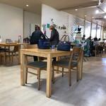 CAFE 101 - 店内