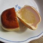 岡埜榮泉 - 栗饅頭 断面写真