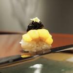 62815489 - 雲丹 生海苔、本山葵のせ
