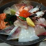 海鮮いづつ - 海鮮丼です