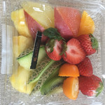 フルーツギャレリア サン・フルーツ - お皿に入れる前