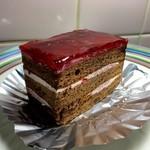 長栄堂 - 料理写真:キイチゴのケーキ 270円