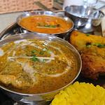 インド・ネパール料理 マナカマナ - サグチキンカレー