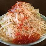 62827223 - 小ラーメン(麺半分)トウガラシ ヤサイマシ