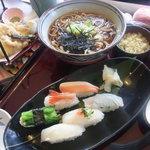 和食レストランとんでん - 北海道そばとひらめの特選鮨