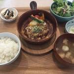 晩ごはんの店 ドマーニ食堂 - 煮込みハンバーグ定食税込千円