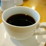 Ailnoir - ランチタイムは紅茶orコーヒー付き