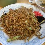 ぎょうざの満洲 - ソース焼きそばと餃子 691円。
