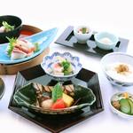 日本料理 橘 - 料理写真:ランチの定番 橘御膳