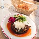 イスタンブール - 日替わりランチ: なすと牛肉のホワイトソースオーブン焼き