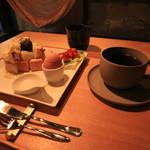 ハンモックとくつろぐ古民家fe 926 - 料理写真:朝食セット