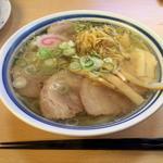 小三郎 - 旨みが凝縮された透き通ったスープです!