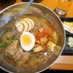 安楽亭 - 料理写真:冷麺(太麺)