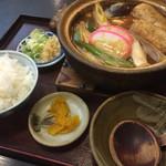 手打道場 高砂 - 味噌煮込みうどん親子780円とご飯(小)110円