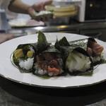 旬鮮居食屋 知花冷凍食品 - 準備中の「おまかせ手巻き寿司」