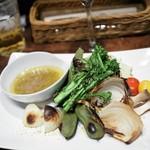 ピッツェリア アル フォルノ - 薪焼き野菜のバーニャカウダ
