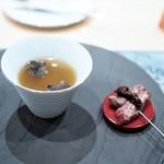 フクシマ - 石井さんの網取り青首鴨の丸ごとスープ仕立て ささみの炭火焼き添え