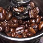 岡山珈琲館 - 割れ欠けが目立つ豆