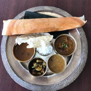 ◆当店自慢の南インド料理ドーサ(インド風クレープ)をどうぞ!