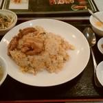 上海台所 - 海老、角煮、高菜、鮭の炒飯定食、¥750。