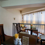 ツエーンコーヒー - 二階がカフェスペース