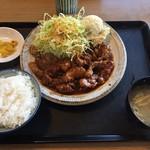 外山食堂 - トンテキ定食(940円)