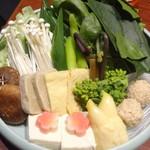 京都 瓢喜 八重洲店 - 鍋(季節野菜盛り合わせ)