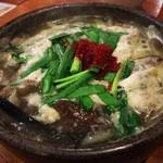 ごっ馳 - 牛すじ肉の煮込み豆腐