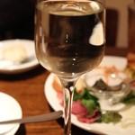 ガレット・バン - ハウスワイン(411円)