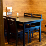 洋食屋牛銀 - 2階のテーブル席