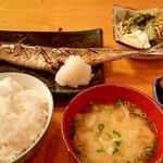 なかどや - 料理写真:日替わり(焼魚)定食 680円